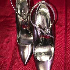 Jeniffer Lopez shoes size 8.5